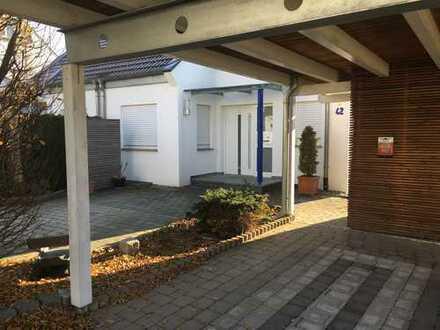 Sonnige Traumlage (Hang) - Haus mit 6 1/2 Zimmern in Rems-Murr-Kreis, Plüderhausen
