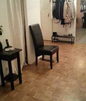 2 Zimmer in einer toll ausgestatteten, möblierten 3-Zimmer-Wohnung