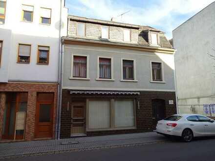 Kleines Wohn- und Geschäftshaus zum individuellen Ausbau/Sanierung im Stadtzentrum
