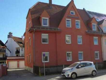 Gemütliche, hübsche 2 ZKB Erdgeschoß-Single-Wohnung (Altbau) in Pfersee zum 01.03.20 zu vermieten.
