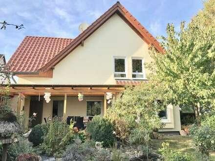 Sandkrug: Schönes Wohnhaus mit Einliegerwohnung - Provisionsfrei!!!