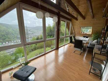 Neuwertige 5,5-Zimmer-Wohnung mit traumhafter Aussicht in Schramberg