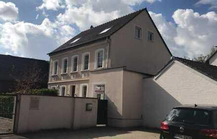 2.950 €, 205 m², 6 Zimmer