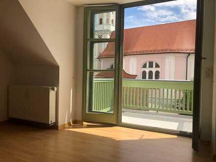 *Traumhafte Dachgeschosswohnung in gepflegter Wohnanlage*