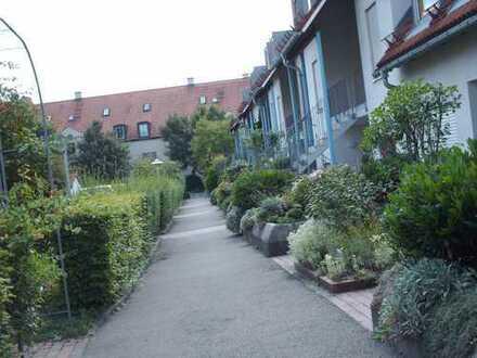 Exklusive, gepflegte 2-Zimmer-Maisonette-Wohnung mit West-Balkon und Einbauküche in Dachau