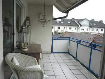 Stilvolle, große 3-Zi. Wohnung mit EBK, Balkon und 2 Stellplätzen