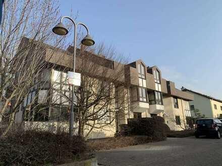 -Rossellit Immobilien- VORANKÜNDIGUNG: 4 Zimmer Maisonette-Wohnung mit Balkon und Garage