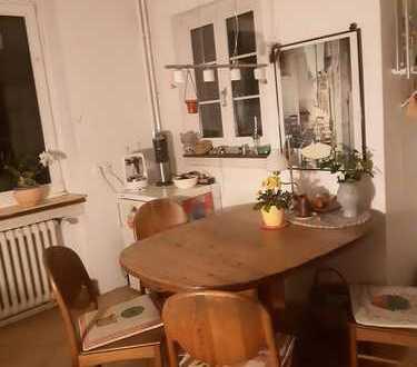 Zimmer in großer, sanierter Altbauwohnung, in der Unterwiehre, zu vermieten,längstens für 1Jahr