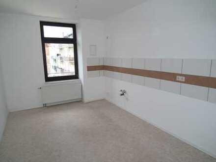 Helle 4- Zimmer Dachgeschosswohnung zu vermieten!