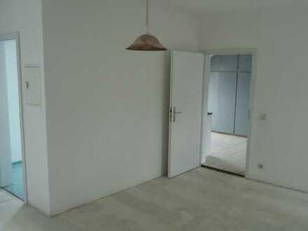 Modernisierte 1,5-Zimmer-DG-Wohnung mit EBK in Schömberg