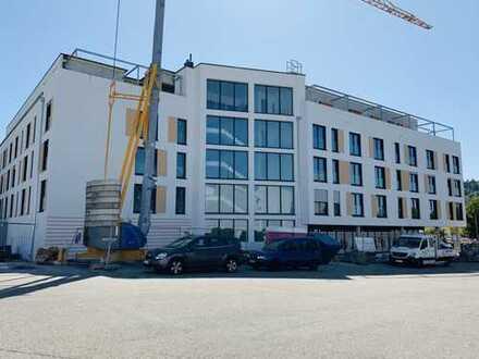 Erstbezug mit EBK: Barrierefreie 2-Zimmer-Wohnung in Pfinztal-Berghausen
