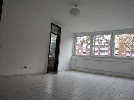 Gut vermietbares Appartement mit kleiner Küche und Balkon