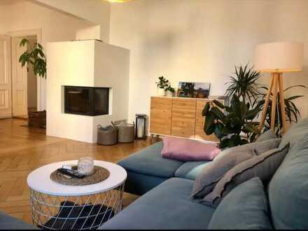 Exklusive, helle 4-Zimmer-Wohnung mit Balkon und Einbauküche in Nürnberg
