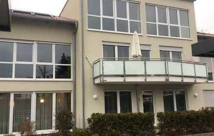 Schöne helle 4 ZKB Wohnung im Neubau
