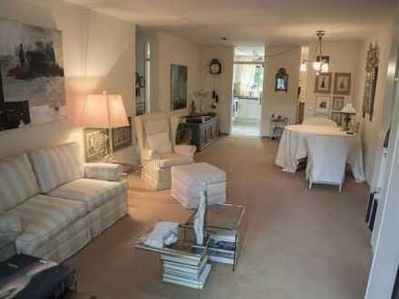 Neuwertige 3-Zimmer-Hochparterre-Wohnung mit Balkon und EBK in Kirchheim unter Teck