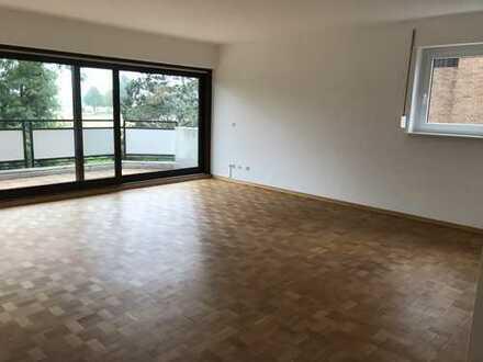 Schöne drei Zimmer Wohnung in Köln, Weiß