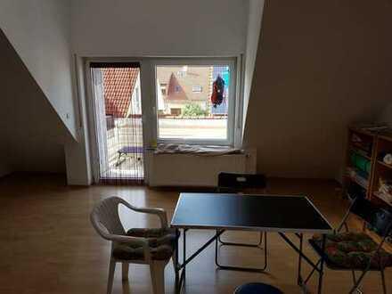 2,5 Zimmer Maisonette Wohnung mit Balkon