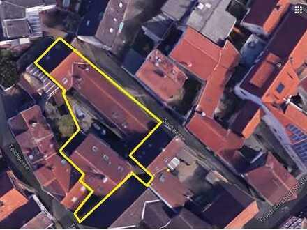 2 Wohnhäuser = 6 Wohnungen, vollvermietet (30 k€ pa), ideal für Großfamilie / Wohnprojekt / Investor