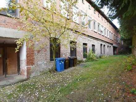 Ehemaliges Fabrikgebäude und vermietetes Wohnhaus in guter Lage von Hauenstein