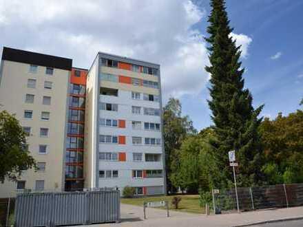 Freundliche 2,5-Zimmer-Wohnung teilmöbliert mit Balkon und EBK