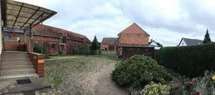 Gepflegter Vierseitenhof mit riesigem Grundstück mit Zugang zur Stepenitz