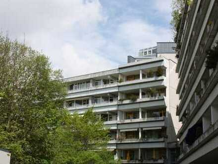 Lichtdurchflutete 1 Zi.-Whg. im 5. OG mit großem, sonnigen West-Balkon und Blick ins Grüne
