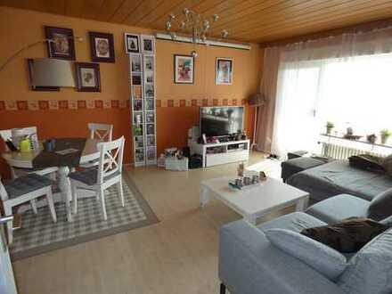 Gemütliche 2 Zimmer Wohnung mit Balkon und schöner Aussicht