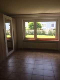 Geräumige, vollständig renovierte 1-Zimmer-Wohnung + Küche + Diele in Schöneck-Kilianstädten