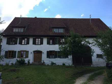 Idyllisches Bauernhaus mit großen Grundstück am Rand der schwäbischen Alb