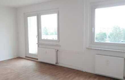 Neu sanierte 2-Raum-Wohnung mit EBK