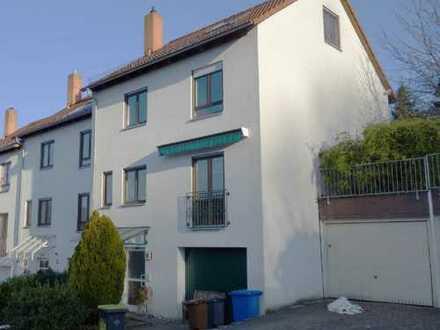 Haus mit fünf Zimmern in Baden-Baden, Innenstadt, EBK, Terasse, Garten, 2 Garagen, 2 Stellplätze