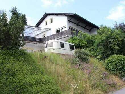 Renovierungsbedürftiges 2-Familienhaus mit Potenzial in toller Aussichtslage von Heiligkreuzsteinach