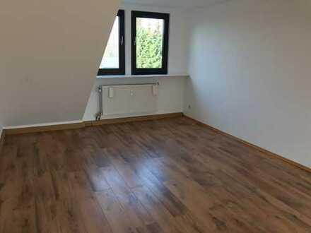 Geräumige 2,5-Zimmer-DG-Wohnung in Grevenbroich