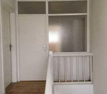 Schöne 3-Zimmer-DG-Wohnung mit Einbauküche in Karlsruhe Rüppurr