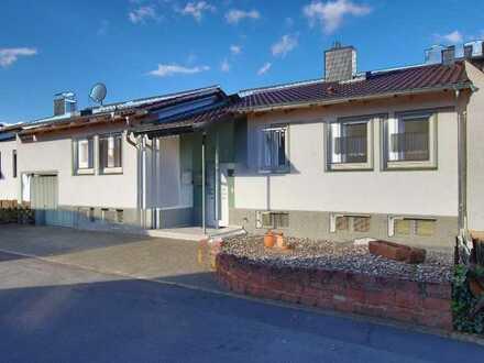 1 Fam. Haus* renoviert* Garage* neuw. EBK* neuw. tgl. Bad* angelegter Garten* Riedstadt-Wolfskehlen