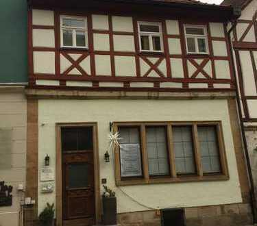 Schöne, geräumige zwei Zimmer Wohnung in Kronach Obere Stadt
