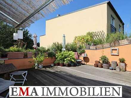 Großzügige Vier-Zimmer-Wohnung mit Dachterrasse