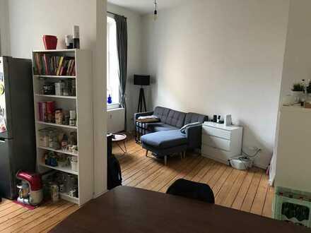 Chice, kernsanierte Altbauwohnung in herrschaftlichem saniertem Wohnhaus!