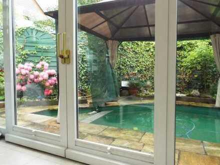 Hochwertig vollmöblierter Bungalow mit Pool in Hadern