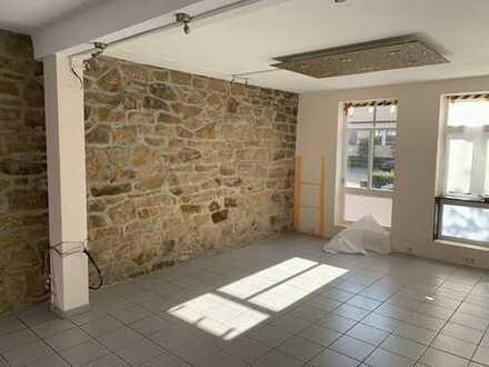 Gewerbeimmobilie in Pattensen am Marktplatz Büro/Praxis/Ladengeschäft/Gastronomie