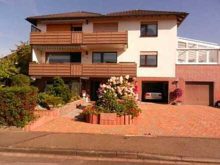 Vollständig renovierte 4-Zimmer-Wohnung mit Balkon in Staufenberg-Landwehrhagen