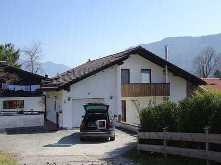 Modernisiertes Einfamilienhaus mit sechs Zimmern in Schleching, Schleching