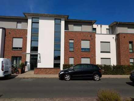 Großzügige, barrierefreie Wohnung, drei Zimmer, Balkon, Einbauküche in Burgdorf