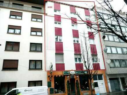 Moderne Stadtwohnung mit großem Balkon