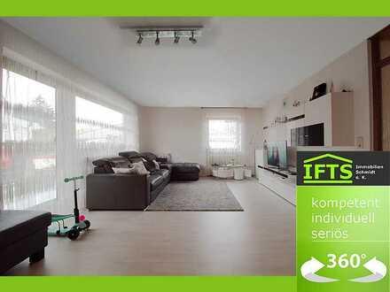 Lichtdurchflutete Wohnung, eigener Garten, großer Balkon, tolle Lage, renoviert, EBK, Garage