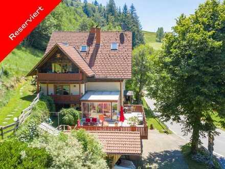 Schönes Dreifamilienhaus mitten in der Natur