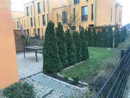 Ein schönes geräumiges 5 Zimmer Haus, sehr verkehrsgünstig im grünen und familiären Biesdorf!