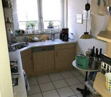 3-Zimmer-Wohnung mit Wintergarten und EBK in Bonn