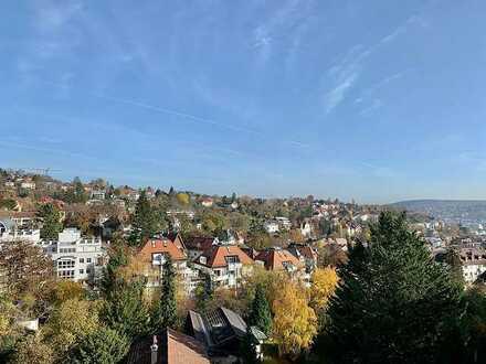 Gepflegte 5-Zimmer-Wohnung mit Balkon und Einbauküche in Stuttgart Nord/West