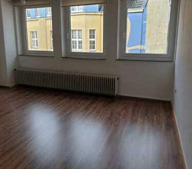 290 €, 31 m², 1,5 Zimmer